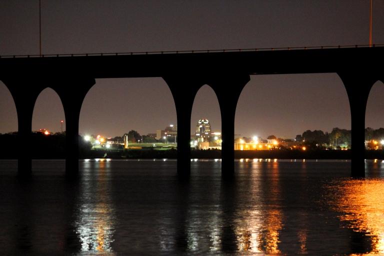 downtown shreveport under 220 bridge on cross lake